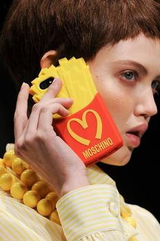 moschino-autumn-fall-winter-2014-21.jpg